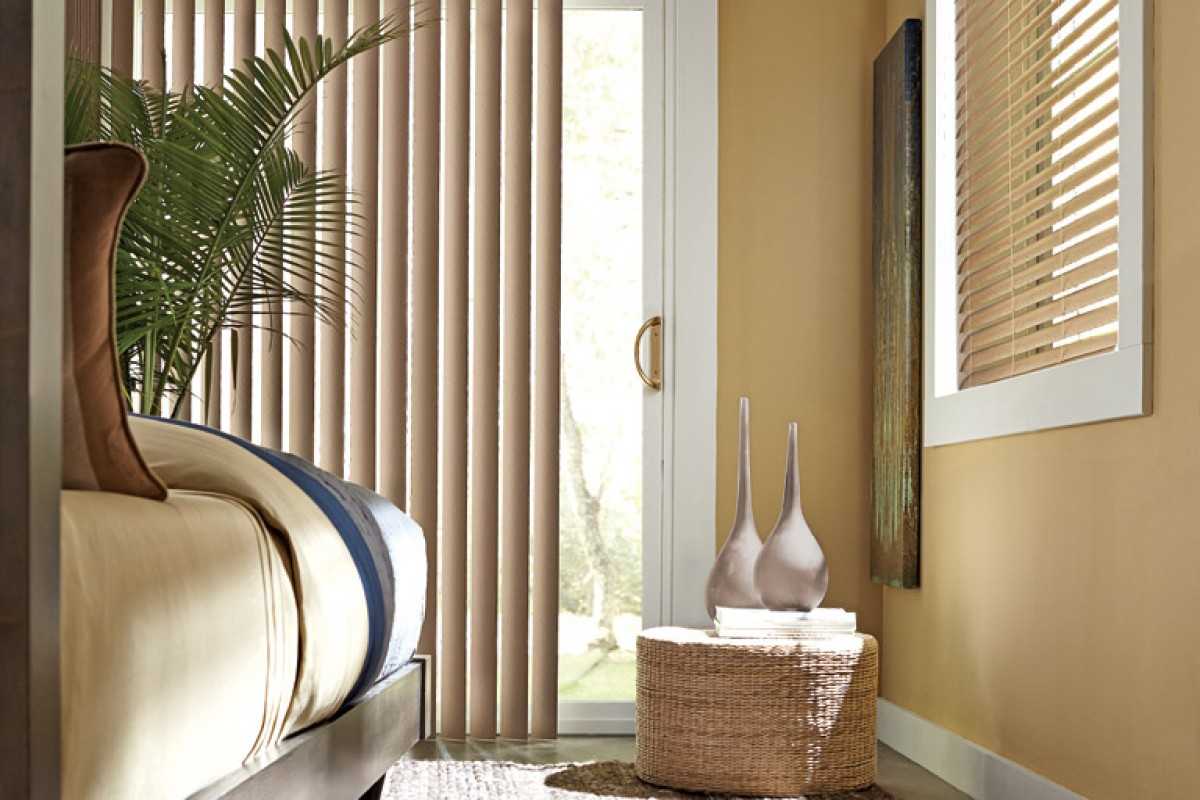 Value Smooth Classic Vertical Blind